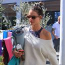 Alessandra Ambrosio – Leaves her yoga class in Brentwood - 454 x 664