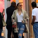 Jennifer Lopez – Last Minute Christmas Shopping in Miami