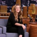 Drew Barrymore At The Tonight Show Starring Jimmy Fallon (January 2017).