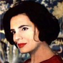 Amalia Rodrigues - 367 x 443