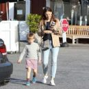 Jennifer Garner spotted leaving Brentwood Country Mart in Brentwood Ca March 27th,2017 - 454 x 347