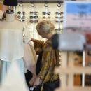 Ashlee Simpson – Shopping candids at Urban Outfitters in Los Angeles - 454 x 573