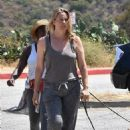 Alicia Silverstone – Out on a hike with her dogs in Los Angeles - 454 x 672