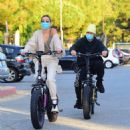 Hailey and Justin Bieber – Riding Electric Bikes in Los Angeles - 454 x 490