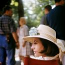 Annie Girardot - 454 x 551