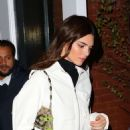 Kendall Jenner – Wearing blue jeans in NY