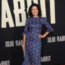 Lisa Edelstein – 'Jojo Rabbit' Premiere in Los Angeles - 454 x 685