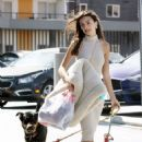 Emily Ratajkowski – Shops for pet supplies and Halloween wigs in Los Angeles