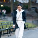 Victoria Justice – Out for a Stroll in Central Park 02/12/2019 - 454 x 681