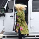 Gwen Stefani – Arrives to the studio in Los Angeles