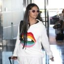 Camila Alves – Arrives at JFK Airport in New York - 454 x 570