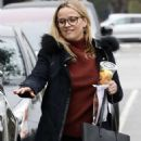 Reese Witherspoon – Out for breakfast at Le Pain Quotidien in Brentwood - 454 x 681