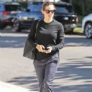 Jennifer Garner – Attending at the Church in Brentwood