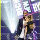 Ariana Grande and Big Sean - 454 x 675