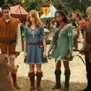 Left to Right: Kal Penn as Edmund, Jayma Mays as Lucy, Faune A. Chambers as Susan and Adam Campbell as Peter in adventure comedy 'Epic Movie' 2007 - 448 x 299