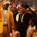 Charlie Murphy and Gabrielle Union in The Perfect Holiday,  a Yari Film Group release.  ©2007 Yari Film Group Releasing. - 454 x 302