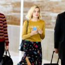 Margot Robbie – Arrives at Charles de Gaulle Airport in Paris