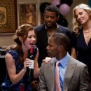 JESSICA BIEL as Kara Monahan and JAMIE FOXX as Kelvin Moore in New Line Cinema's romantic comedy 'Valentine's Day,' a Warner Bros. Pictures release. Photo by Ron Batzdorff