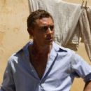JJ Feild as Bobby Goldman in O JERUSALEM. Copyright © 2006 Samuel Goldwyn Films. All rights reserved.