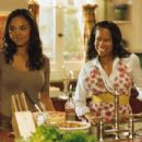 Sharon Leal(l) and Regina King(r) star in Screen Gems' THIS CHRISTMAS. Photo credit: Suzanne Tenner. ©2007 Screen Gems, Inc. All rights reserved.