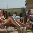 Dreamland: Audrey (Agnes Bruckner) and Calista (Kelli Garner) talk about the boy who just moved in next door (photo credit: Lewis Jacobs)
