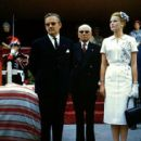 Grace Kelly and Prince Rainier of Monaco - 454 x 416