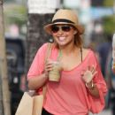 Hayden Panettiere - Grabbing Coffee On Melrose Avenue, 2010-04-15