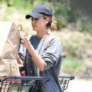 Jessica Alba– Grocery Shopping in Malibu, July 2016 - 454 x 718