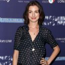 Anne Hathaway A Midsummer Nights Dream Premiere In Nyc