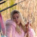 Zoey Deutch – On 'Zombieland: Double Tap' set in Atlanta