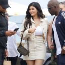 Kylie Jenner – Heads to lunch in Malibu - 454 x 761
