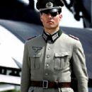 Tom Cruise Valkyrie movie still - 454 x 340