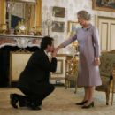(L-R) Michael Sheen as Tony Blair and Dame Helen Mirren as the Queen in THE QUEEN. Photo credit: Laurie Sparham/Courtesy of Miramax Films.