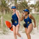 On patrol in Miami, Reno Deputies Trudy Wiegel (Kerri Kenney-Silver, left) and Raineesha Williams (Niecy Nash) try – futilely – to blend in with the beach crowd. Photo credit: Glenn Watson. TM and © 2007 Twentieth Century Fox, Paramount Pictur