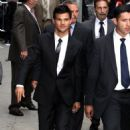 Taylor Lautner goes to David Letterman