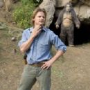 """""""Strange Wilderness"""" TV show host Peter Gaulke (Steve Zahn, left) may actually have found Bigfoot (right) in """"Strange Wilderness."""" Photo Credit: Darren Michaels. © 2007 by Paramount Pictures. All Rights Reserved."""