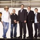 (from left to right) Dwight Yoakum, Peter Billingsley, Vince Vaughn, Jon Favreau and Keir O'Donnell in Vince Vaughn's Wild West Comedy Show © 2007 Picturehouse