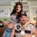 Connie (Jenny McCarthy) and Larry the Cable Guy in WITLESS PROTECTION. Photo credit: Sam Urdank