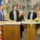 Kristen Bell – 'The Chew' guest appearance in New York - 454 x 323
