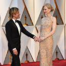 Keith Urban and Nicole Kidman At The 89th Annual Academy Awards - Arrivals (2017) - 446 x 600
