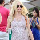 Kate Bosworth - Day 1 Of Coachella Music Festival In Indio, Ca, 2010-04-16