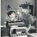 Jerry Mathers - 407 x 521