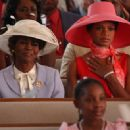 Cicely Tyson as Myrtle, Kimberly Elise as Helen. - 454 x 295