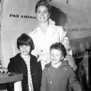 Lee Remick with her kids
