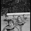 Cast on pool. - 378 x 500