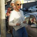Amber Rose and Kat Von D have lunch at Urth Caffe in West Hollywood, California - February 10, 2014 - 454 x 597