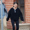 Sarah Hyland – Filming 'The Wedding Year' in Hollywood - 454 x 652