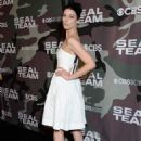 Jessica Pare – 'SEAL Team' Premiere in Los Angeles - 454 x 638