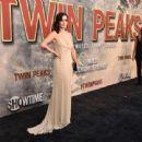 Ana de la Reguera : Premiere of Showtime's 'Twin Peaks - 454 x 340