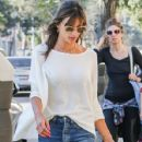Alessandra Ambrosio picks her little boy up from school on January 17, 2017 - 428 x 600